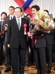 飯泉県知事と美濃部監督のツーショット