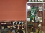 クラブハウスに飾られた記念品の数々