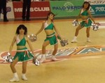 AROAROのチアリーディングダンス