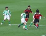 前座試合の少年サッカー