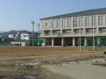 城南高校グラウンドと体育館