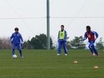 ボールを使ってトレーニングする選手たち