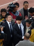 笑顔の井川会長と尹晶煥監督